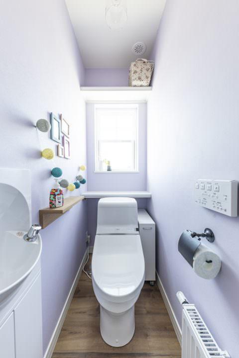 新築注文住宅インターデコハウスのトイレ施工事例写真