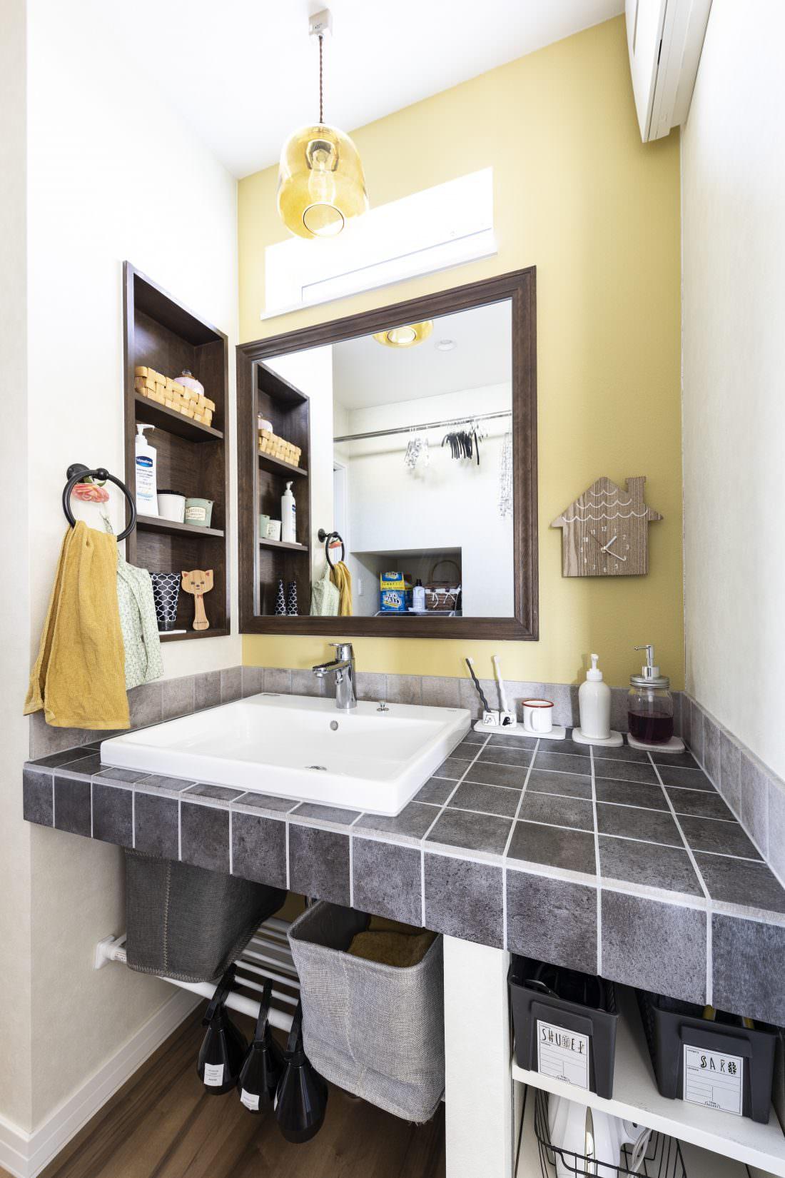 新築注文住宅インターデコハウスの洗面所施工事例写真