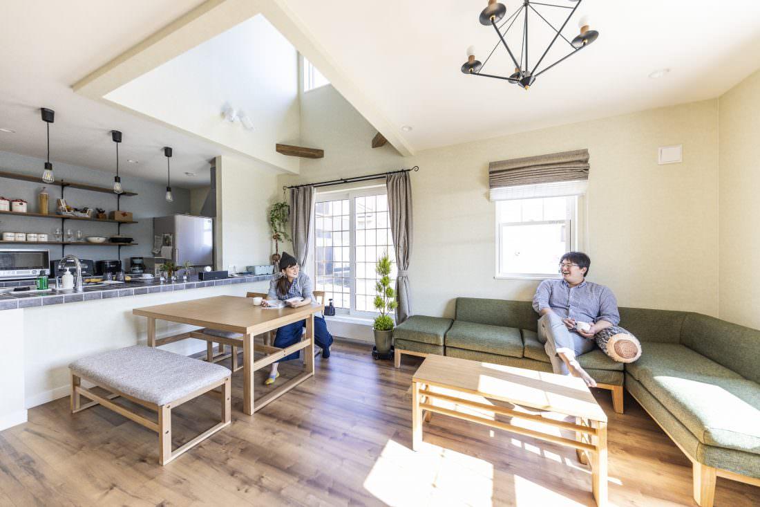 新築注文住宅インターデコハウスのリビング施工事例写真