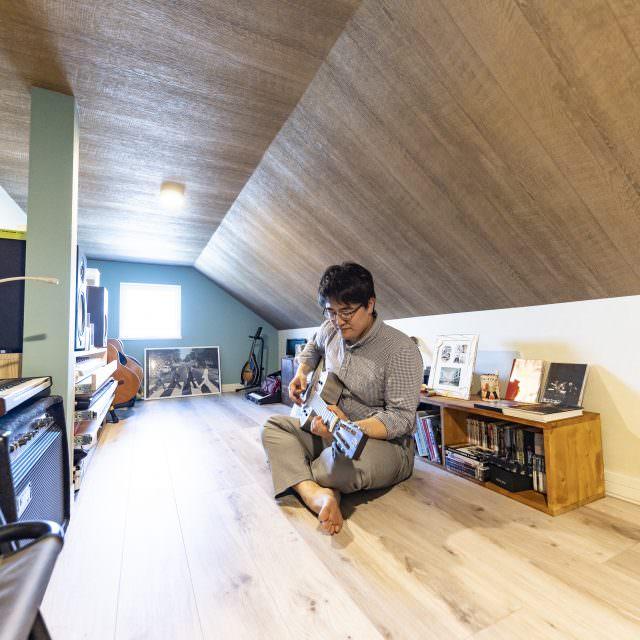 趣味の楽器を楽しむ小屋裏部屋