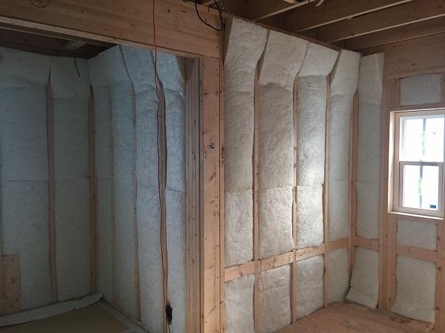 断熱材施工の画像
