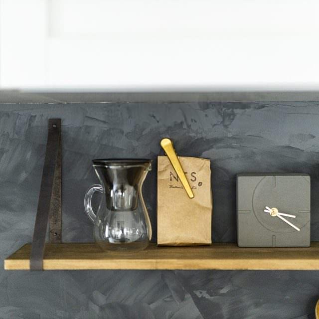 DIYで塗装したキッチン壁がおしゃれ