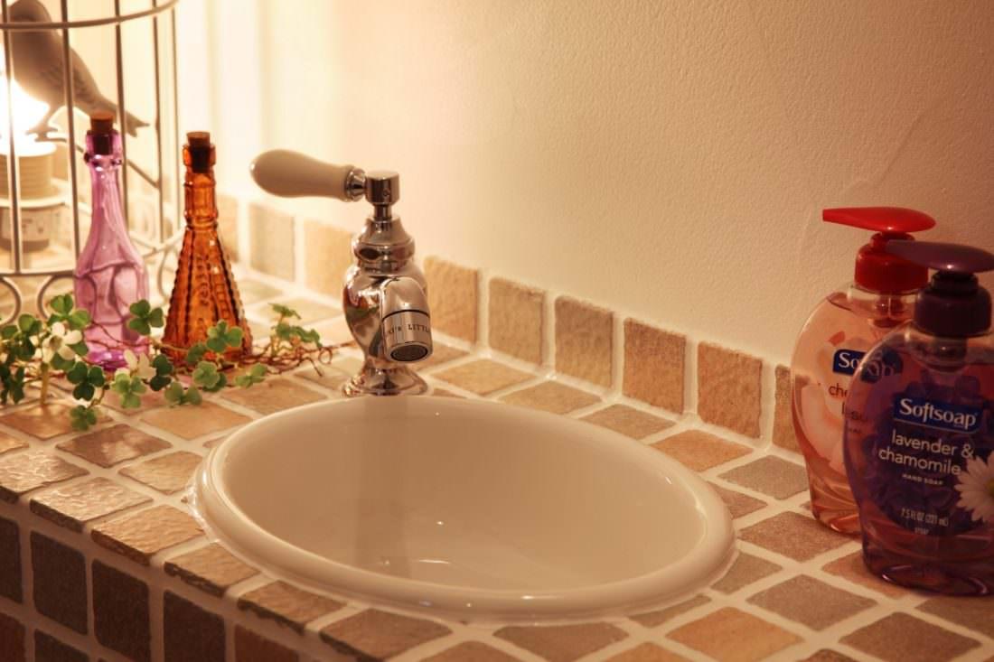 タイルの手洗い器