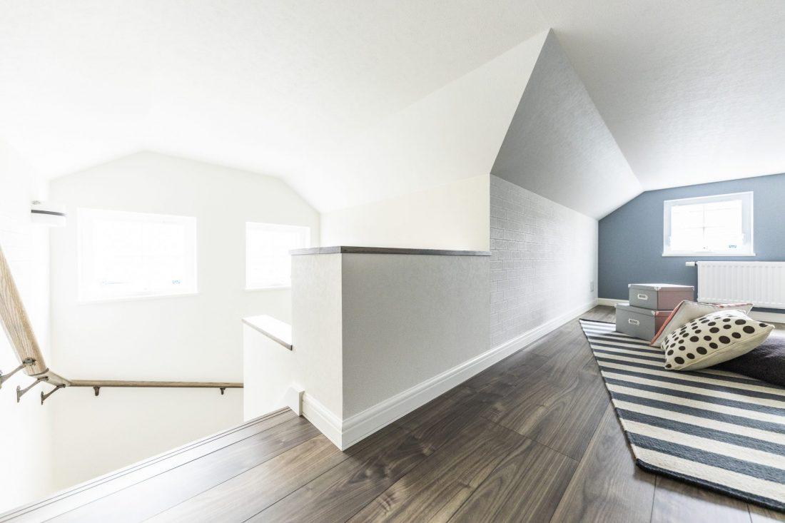 造作階段付き小屋裏部屋