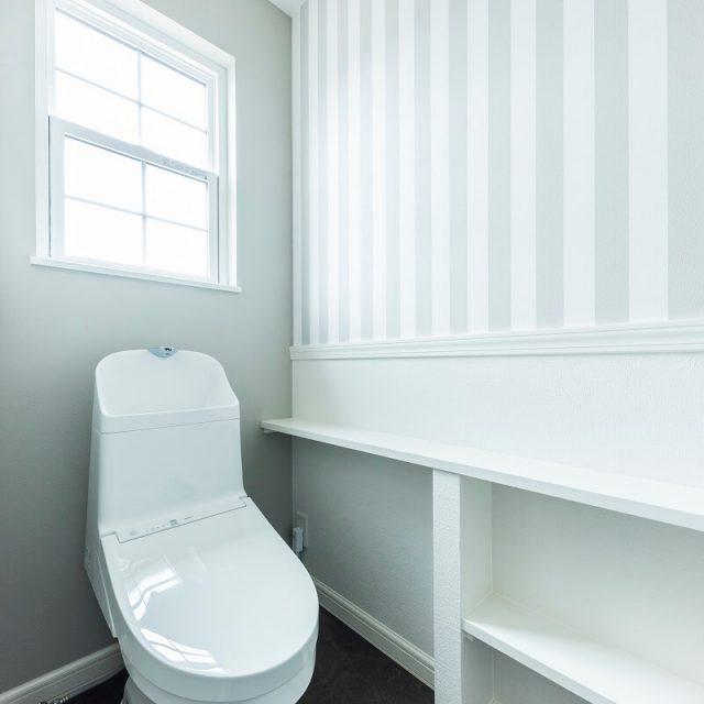 2階のトイレに見切りをつけて、海外のようなデザインに。