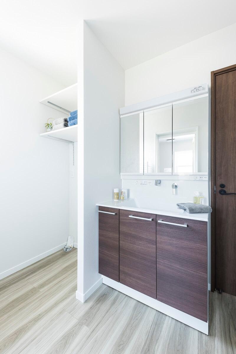 ユーティリティーは2階に設置することで、家族だけのプライベートスペースに。